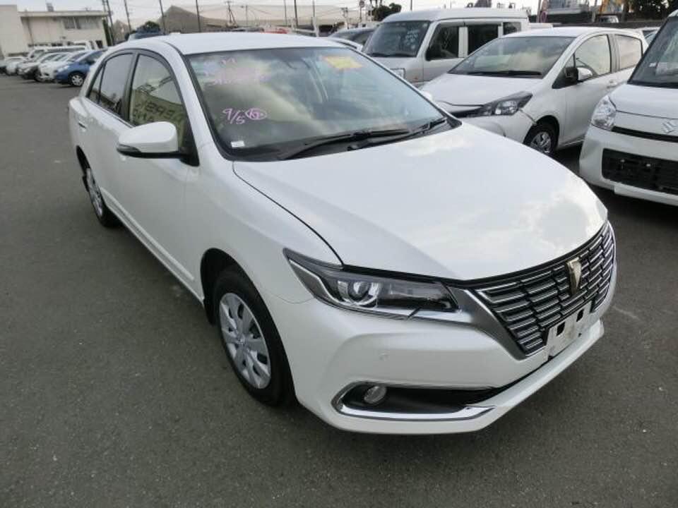 Toyota premio pearl white FEX